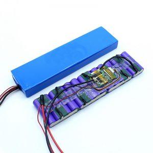 फैक्टरी मूल्य अनुकूलित 18650 36 वोल्ट बैटरी लिथियम आयन 36V बैटरी पैक