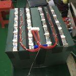 अपने आरवी के लिए सर्वश्रेष्ठ बैटरी चुनना: एजीएम बनाम लिथियम